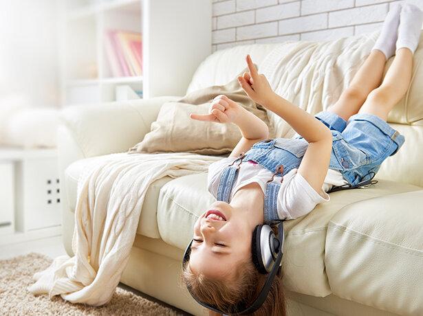 Les enfants sont de plus en plus sujets aux problèmes d'audition