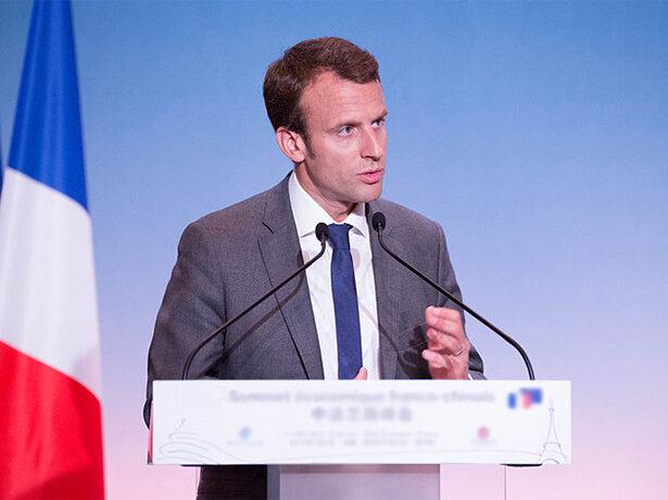 Emmanuel Macron programme <b>un remboursement intégral des appareils auditifs</b>